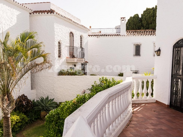 Town House in Nerja Capistrano